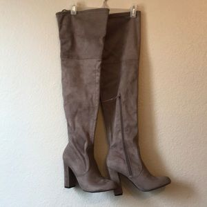 Knee high boots 7 NWT